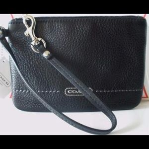 NWT Signature COACH Small Black Wristlet Wallet